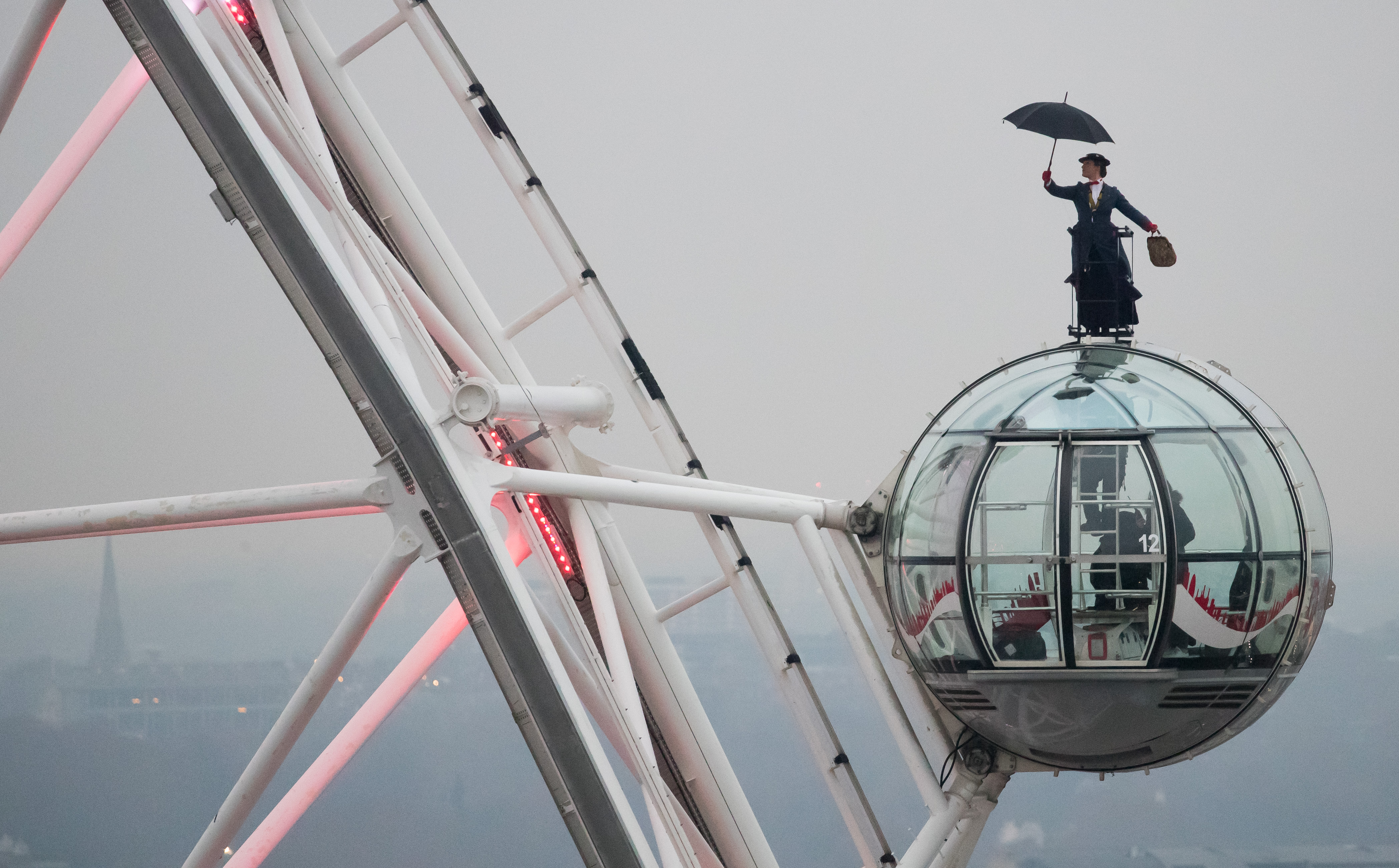 Mary Poppins On London Eye
